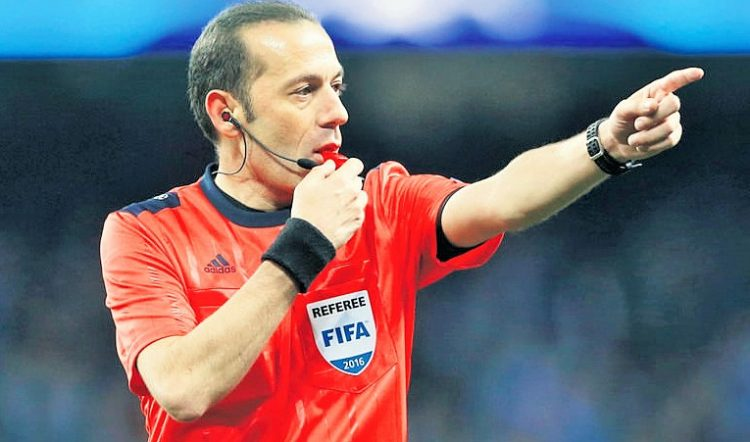 Football Soccer - Manchester City v Real Madrid - UEFA Champions League Semi Final First Leg - Etihad Stadium, Manchester, England - 26/4/16 Referee Cuneyt Cakir Action Images via Reuters / Carl Recine Livepic EDITORIAL USE ONLY.